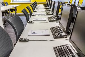 Facility_desks03_web